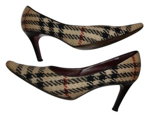 Burberry Tan Black Multicolor Nova Check Pumps
