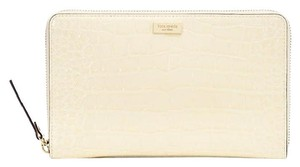 Kate Spade Kate Spade knightsbridge ostrich zip travel wallet BOne NWT
