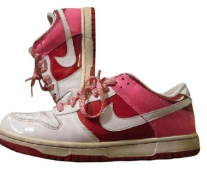 Nike Vintage Valentines Dunk Red, White, Pink Athletic