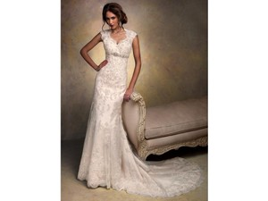 Maggie Sottero Ivory Lace Bernadette Formal Wedding Dress Size 6 (S)