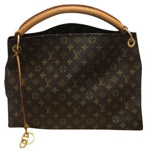 6141d24b9205 Louis Vuitton Hobo Bags - Up to 90% off at Tradesy