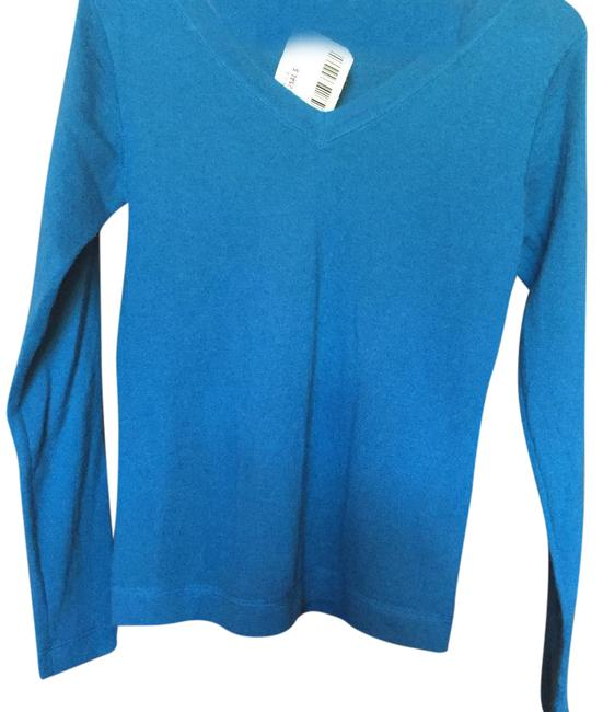 Preload https://img-static.tradesy.com/item/20714864/bright-blue-light-weight-v-neck-sweaterpullover-size-4-s-0-2-650-650.jpg