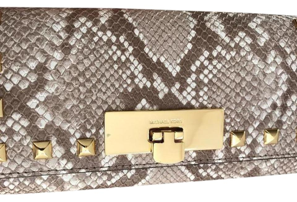 900d039e32df0d Michael Kors NWT CALLIE STUD CARRYALL EMBOSSED LEATHER WALLET Image 0 ...