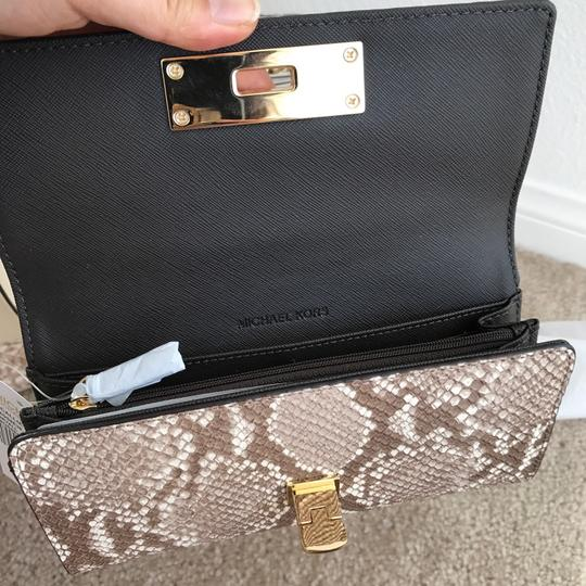 Michael Kors NWT CALLIE STUD CARRYALL EMBOSSED LEATHER WALLET Image 4