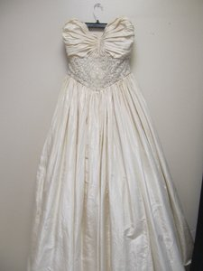 Badgley Mischka Bride Badgley Mischka Bride Ivory Dress Wedding Dress
