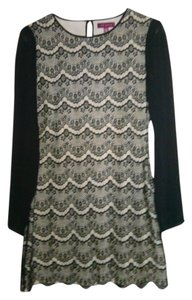 Ted Baker Lace Date Black Malita Botton Cuff London Like New Chic Size 2 Small Above Knee Dress
