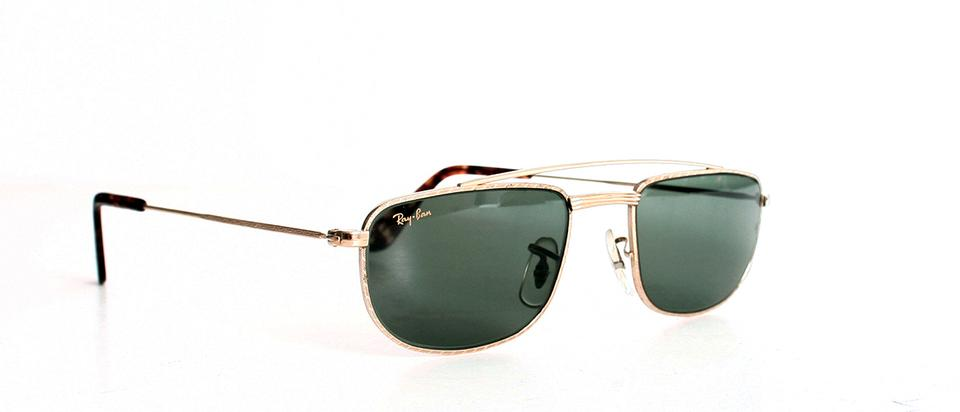 f72d8050689ba Ray-Ban Gold Vintage Bausch   Lomb W1756 Sidestreet 1940 s ...