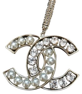 Chanel Chanel Large Classic Pearl/Crystal CC Logo Gold Pendant Necklace
