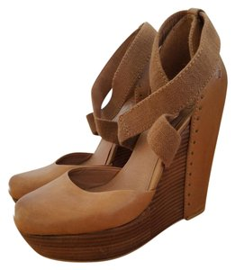Lucky Brand Wedges Closed Toe Leather Tan (Camel) Platforms