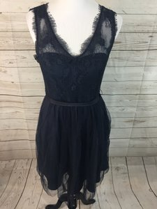 BHLDN Navy Lace and Tulle Lina Traditional Bridesmaid/Mob Dress Size 8 (M)