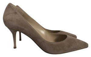 Manolo Blahnik Suede Pointed Toe Taupe Pumps