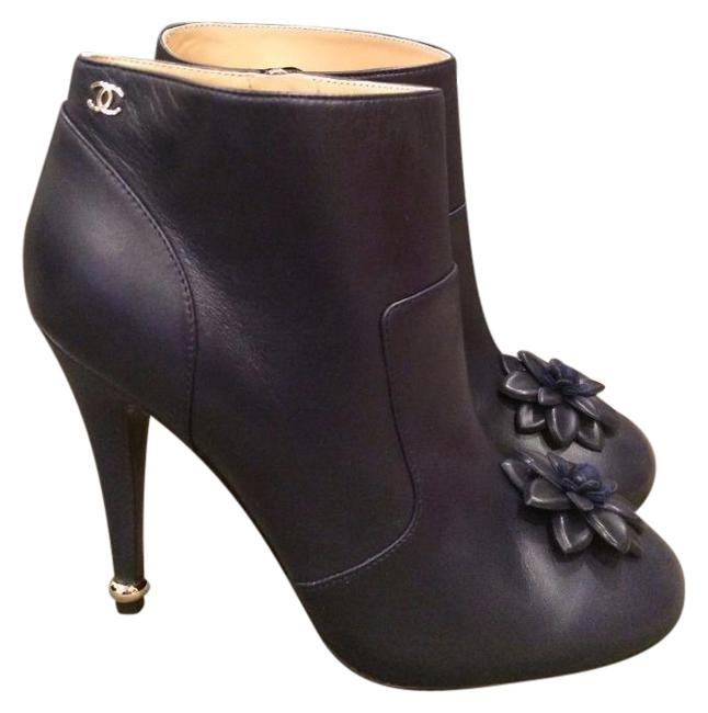 Item - Navy Blue Leather Camellia Flower Ankle Heel Boots/Booties Size EU 38 (Approx. US 8) Regular (M, B)