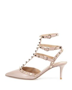 Valentino Rockstud Textured Black Gold Kitten poudre Pumps