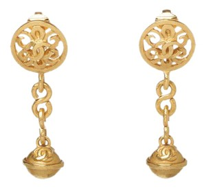 Chanel Chanel Gold CC Ball Drop Vintage Clip On Earrings 95P