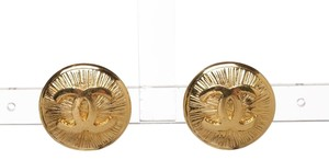 Chanel Chanel Gold CC Disc Vintage Clip On Earrings