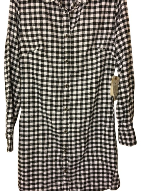 Preload https://img-static.tradesy.com/item/20721129/jachs-black-manufacturing-co-flannel-white-shirt-small-maternity-casual-dress-size-4-s-27-0-1-650-650.jpg