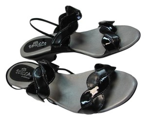 Sbicca Size8.5 Wide New Excellent Condition BLACK PATENT Sandals