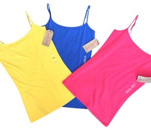 Red Camel Top yellow, blue, coral