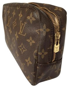 Louis Vuitton Authentic Cosmetic Pouch Trousse Toilette 23