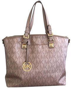 Michael Kors Tote in rose gold