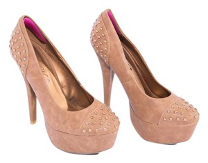 Style & Co Platform Toi Et. Moi Brown Embroidered Light Brown Pumps