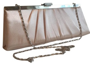Jessica McClintock cream Clutch