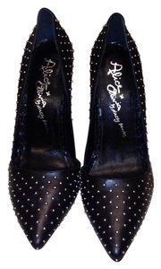 Alice + Olivia black Pumps