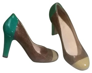 Kate Spade Multi color with textured leather. Pumps
