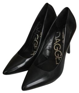 Kelsi Dagger Black Pumps