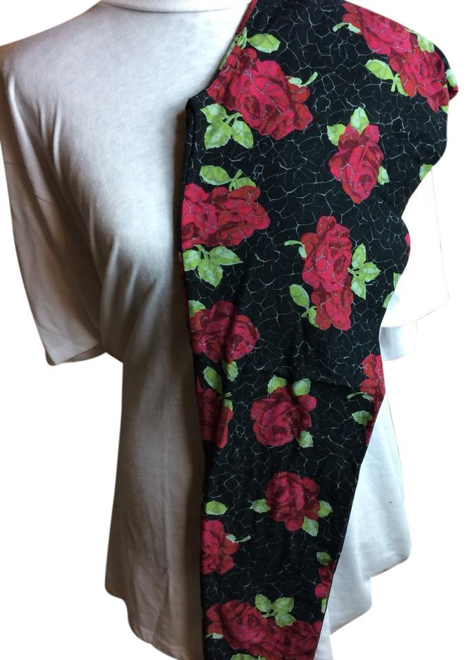 aa0022550dac8e LuLaRoe Black with Rose Background Tall and Curvy Leggings Size 14 ...