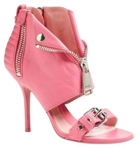 Moschino pink Pumps