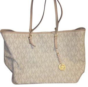 Michael Kors Tote in white with blue print