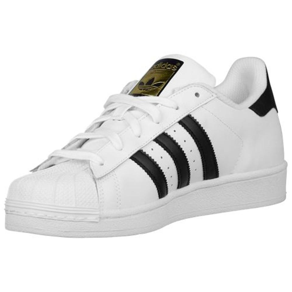 new concept 19ad5 797c3 adidas White/Black Women's Superstar Sneakers Shell Toe C77153 Sneakers  Size US 6 Regular (M, B)