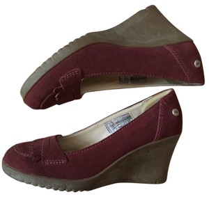 UGG Australia burgundy Wedges