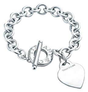 Tiffany & Co. Toggle Bracelet With Heart Charm 7.5