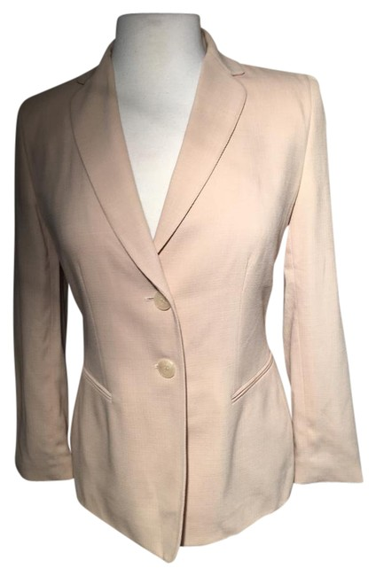 Preload https://img-static.tradesy.com/item/20727132/ann-taylor-creme-notched-collar-pane-buttoned-front-blazer-size-petite-4-s-0-1-650-650.jpg