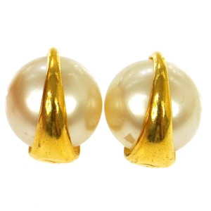 Chanel CC Vintage Pearl Earrings