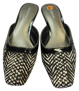 Liz Claiborne Size 8.50 M Animal Design Padded Footbed Very Good Condition Black, White, Mules