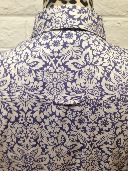 Brooks Brothers Light-weight Business Casual Paisley Top Violet