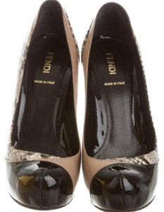 Fendi black taupe snake Pumps