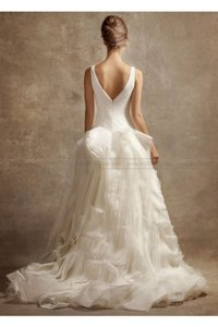 Vera Wang Vw351029 Wedding Dress