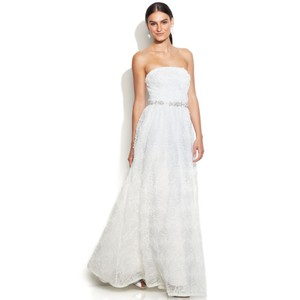 Adrianna Papell Ivory Rosette Strapless Tulle Ball Gown Feminine Wedding Dress Size 12 (L)