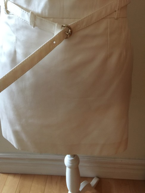 Gucci Mini Skirt Off white/ be ahead of the style , be leader / not follower