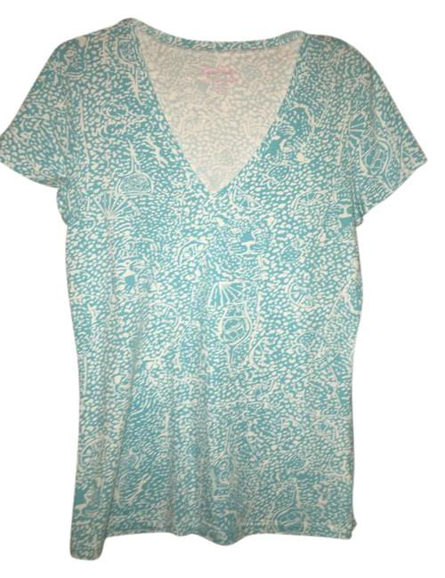 Preload https://img-static.tradesy.com/item/20729214/lilly-pulitzer-blue-and-white-tee-shirt-size-4-s-0-1-650-650.jpg
