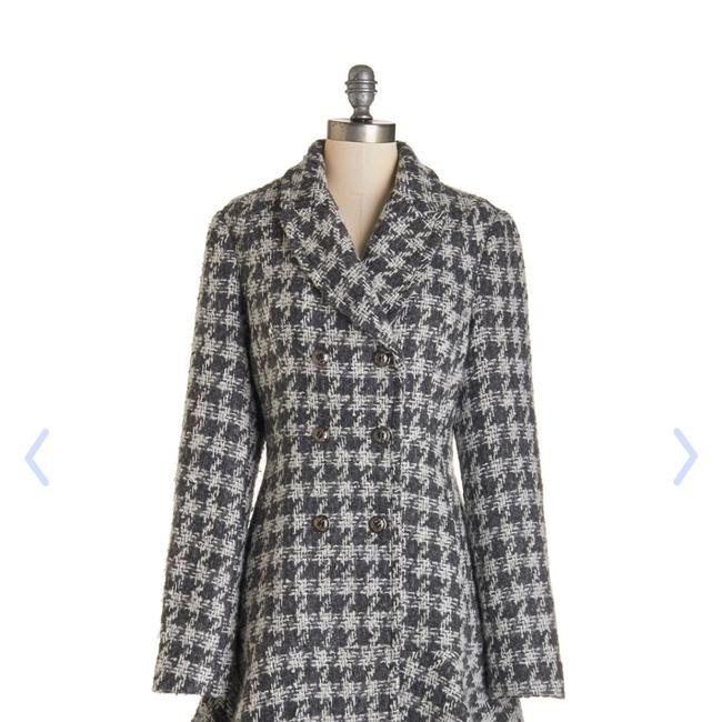 Item - Gray Hounds Tooth Peplum Coat Size 22 (Plus 2x)