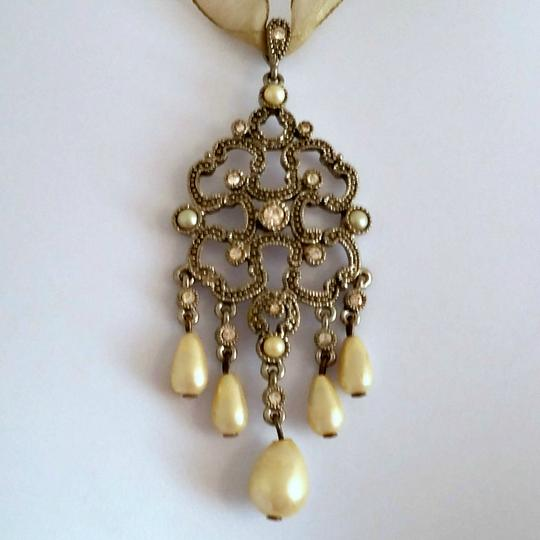 Other Antique Inspired Pearl Droplet Ribbon Necklace