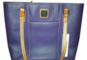 Dooney & Bourke Tote in Aubergine