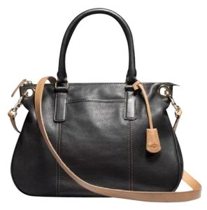 UGG Australia Satchel in Black