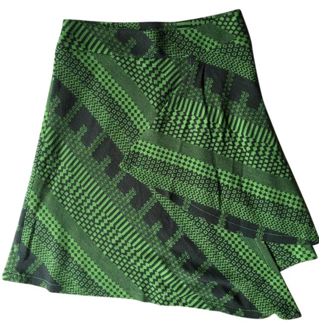 Preload https://img-static.tradesy.com/item/20730051/green-and-dark-gray-unsymmetrical-abstract-print-knit-miniskirt-size-8-m-29-30-0-1-650-650.jpg