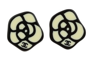 Chanel Chanel 03P CC Camellia Black Enamel Earrings